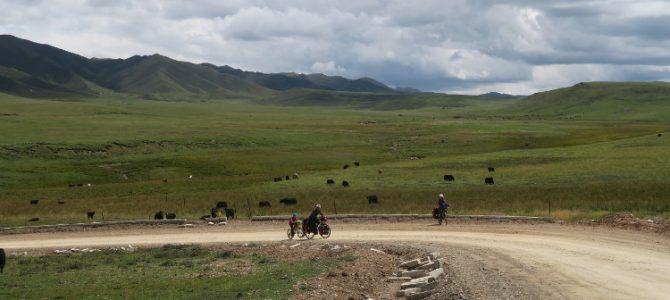Sur les contreforts du Tibet : de Tongren à Xiahe