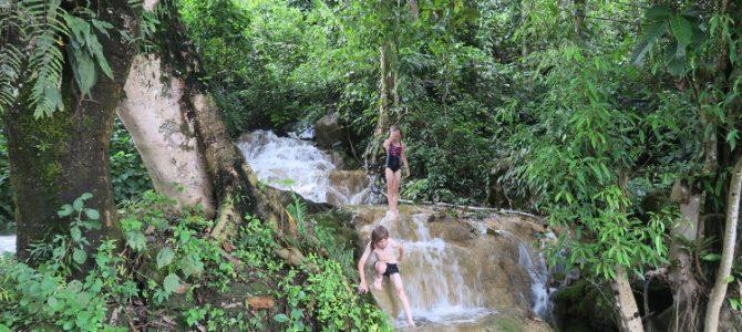 La vie au Laos (par Tiago et Lilou)