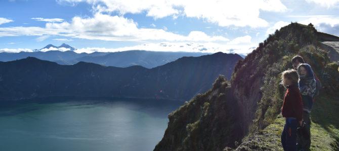Sur la route des volcans , entre Otavalo et Ambato