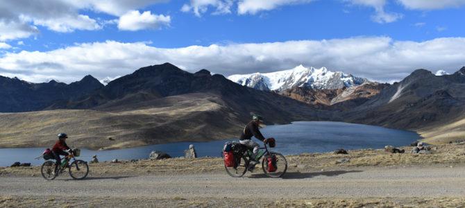 La Peru divide en photos